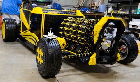 See exclusively here the new air powered lego car....